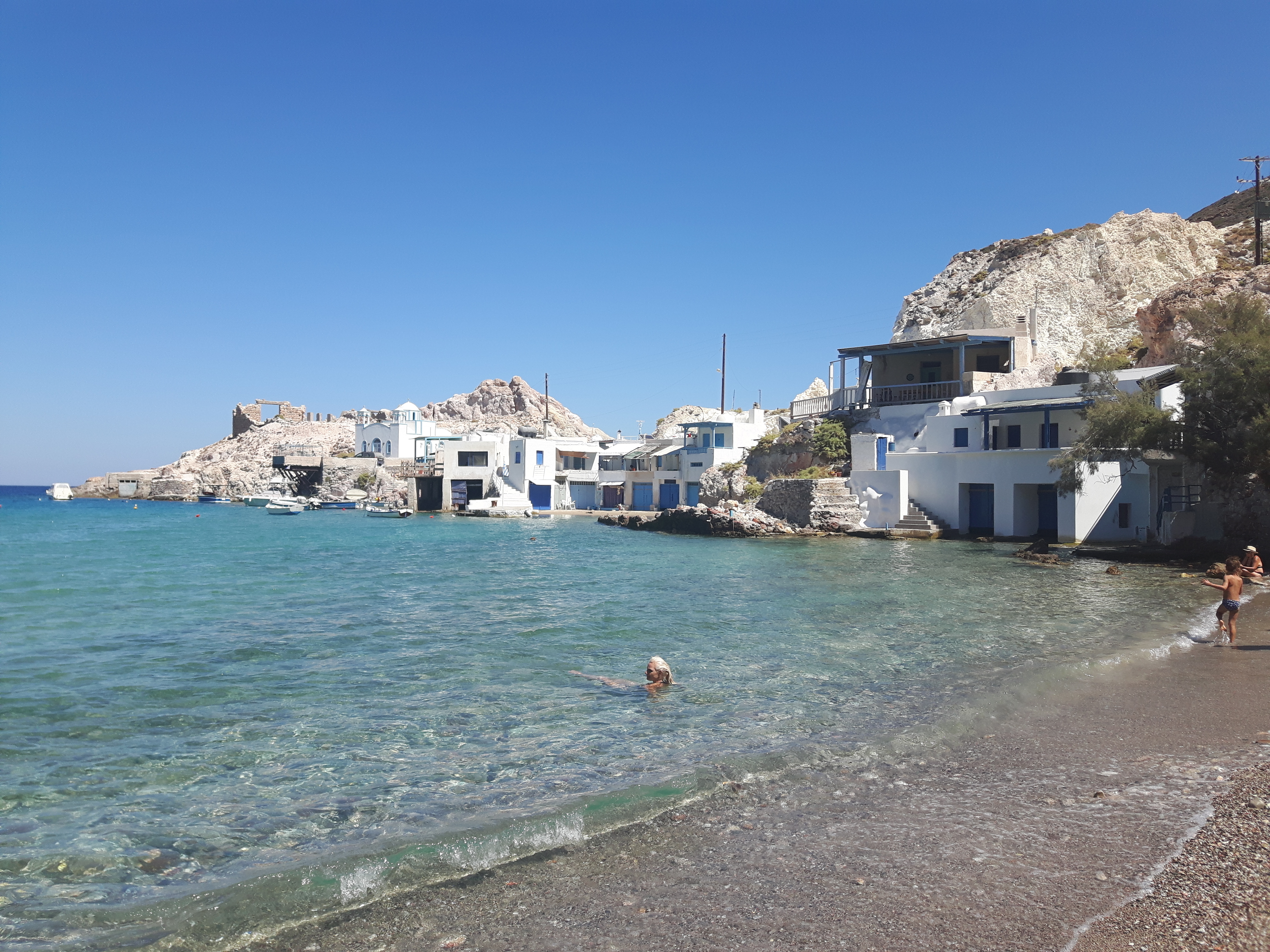 10 best beaches of Milos: discover the Greece unknown