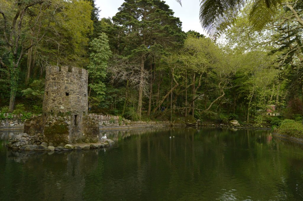 5 Lakes park, Pena Palace