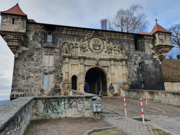 Unteres Schlosstor