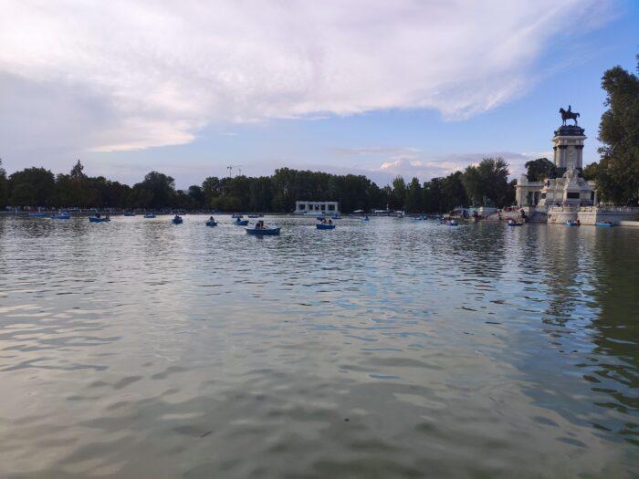 Retiro lake